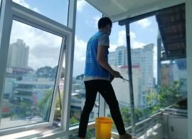 Dịch vụ vệ sinh căn hộ nhanh, sạch gọn, giá tốt